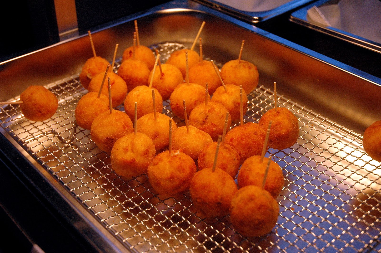 the deep fried world of organic chemistry Improving your iphone's battery life through deep-fried chemistry  a lot like deep-frying  droplets into an organic solvent about 50 percent.