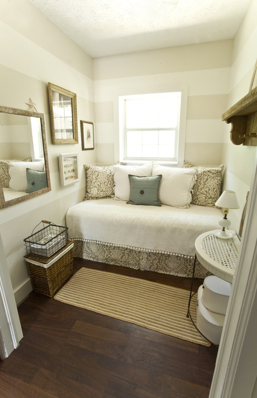 Paint Colour for Small Spaces : Photo Source Houzz : c/o ecopaining.ca via desiretodecorate.com