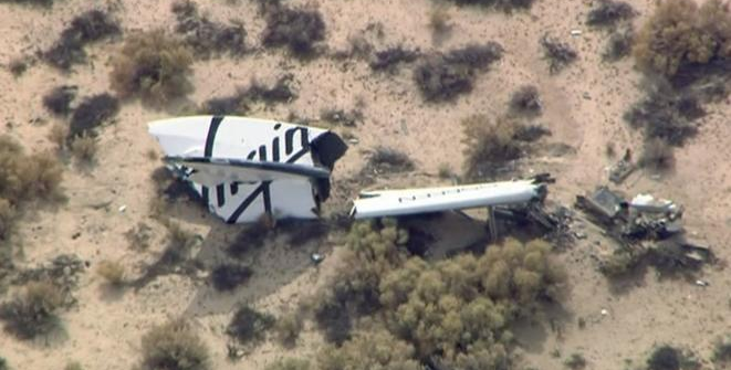 Wreckage from Virgin Galactic's SpaceShipTwo in Mojave, California October 31, 2014. Credit: Reuters/KNBC-TV