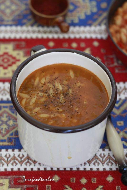 Zimowa zupa z pora z makaronem