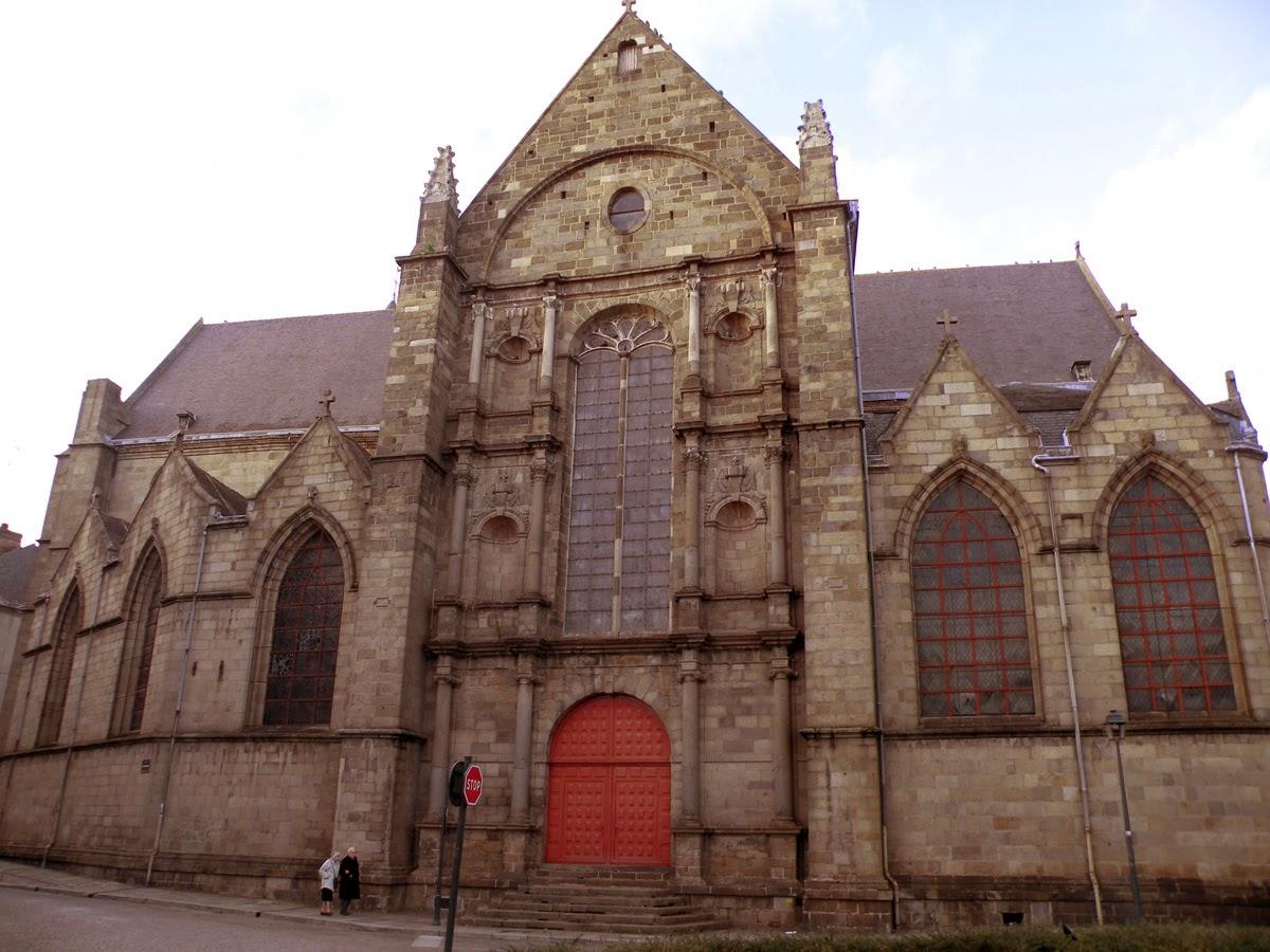 L'église Saint-Germain vue de la Place