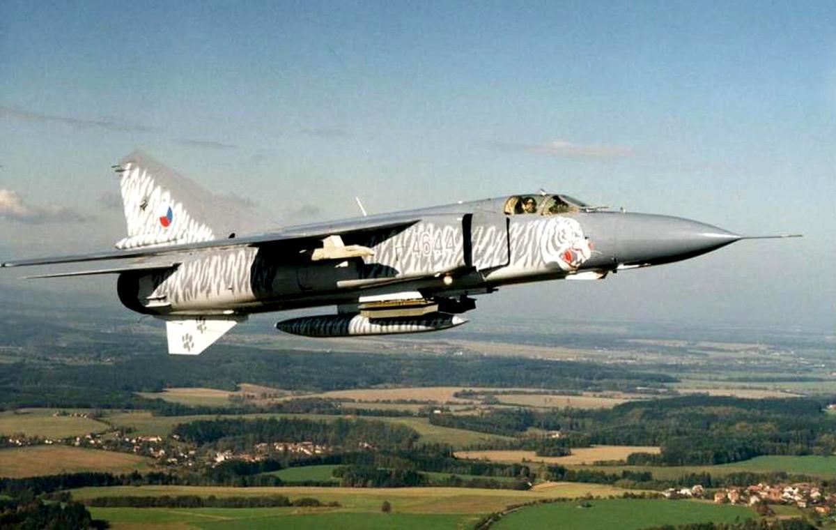 MiG-23 Flogger Jet Fighter Wallpaper 1