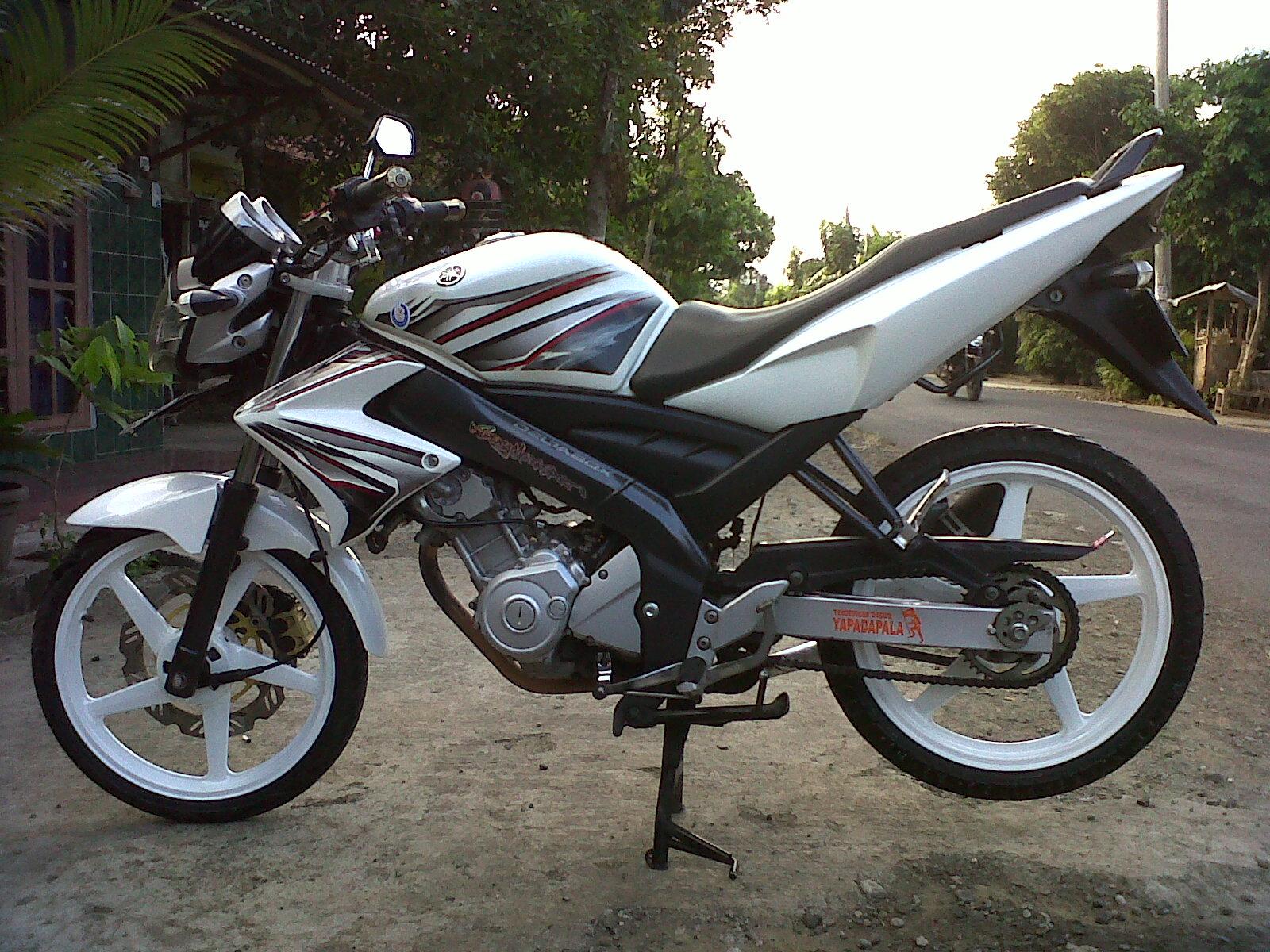 Top modifikasi vixion 2012 warna putih