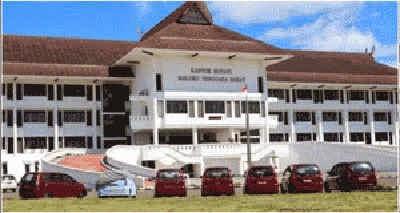 Pemerintah Kabupaten Maluku Tenggara Barat akhirnya melakukan penarikan secara paksa terhadap sejumlah aset daerah di kabupaten  tersebut dari belasan anggota DPRD MTB periode 2009 – 2014.