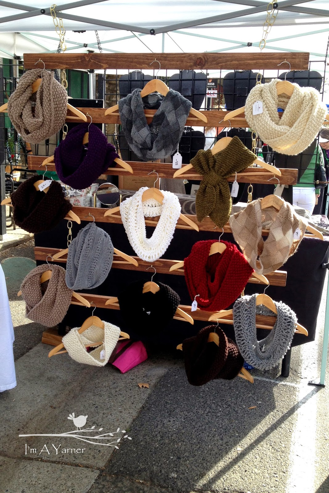 I 39 m a yarner for Hat display ideas for craft shows