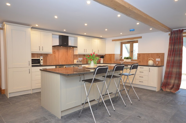 Devon Hot Tub Cottage Self Catering Barn Conversion Kitchen