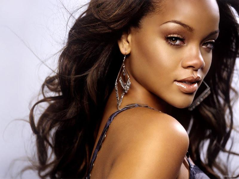 La cantante Rihanna nació el 20 de febrero de 1988 en la isla de  title=