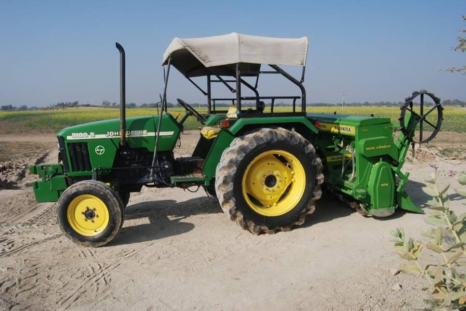 how to drive tractor in hindi