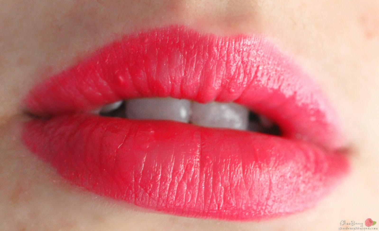 Revlon - Colorburst Lacquer Balm - Vivacious review swatches 120 סקירה שפתון באלם צ'אבי רבלון ורוד גלוסברי