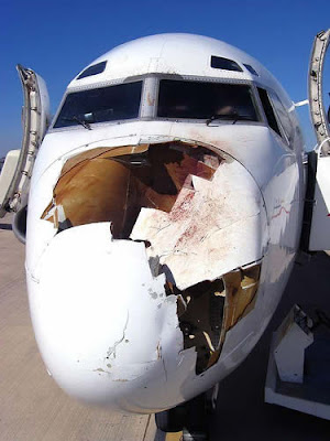 kapal terbang rosak