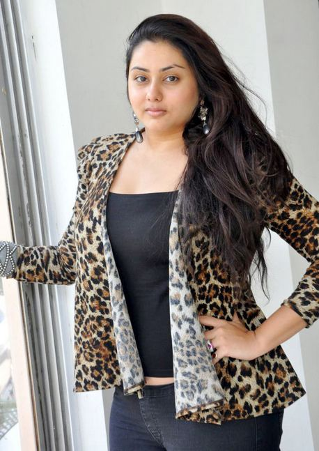 actress+namitha+hot+in+jeans
