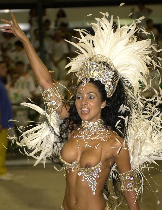 More than a Carnival Queen and Muse, Fabia Borges is beauty icon in Brazil.
