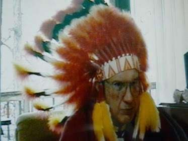 Christopher Baal, phong cách của người cao tuổi của bộ tộc Pocahontas.
