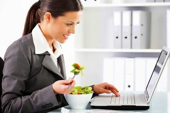 Equilibra tu alimentación en el trabajo