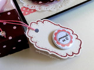 Buttons y tags Latina Crafter