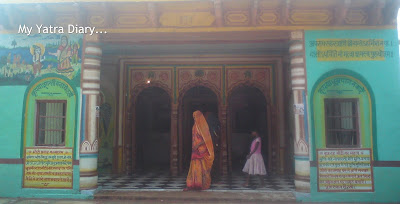 Temple on the banks of River Yamuna, Brahmand Ghat, Uttar Pradesh