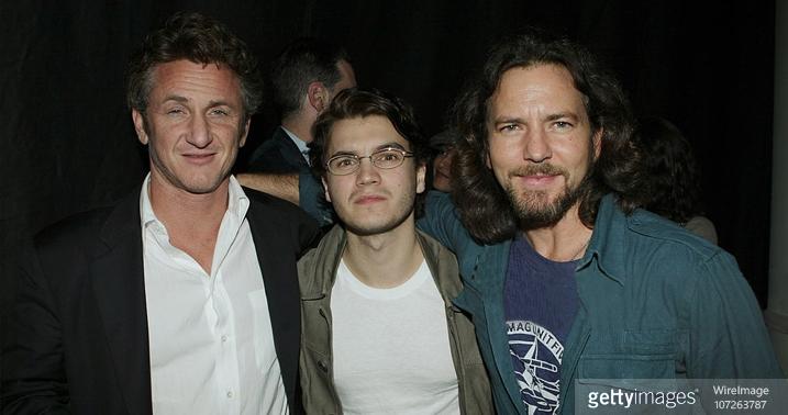 Eddie Vedder vocalista Pearl Jam trilha sonora Na Natureza Selvagem Into The Wild Sean Penn Emile Hirsch