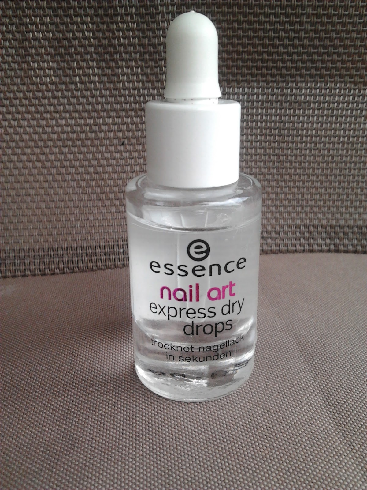 Nails Nailart Review Essence Nail Art Express Dry Drops