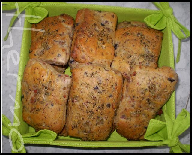 Focaccia de ajo y romero receta casera