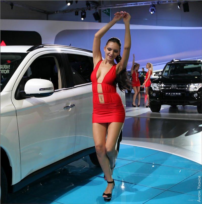 nude girl car show