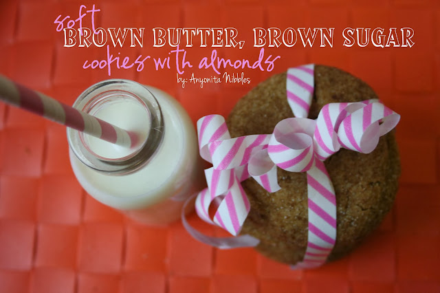 This sophistacated take on sugar cookies makes a perfect Thanksgiving treat! from www.anyonita-nibbles.com