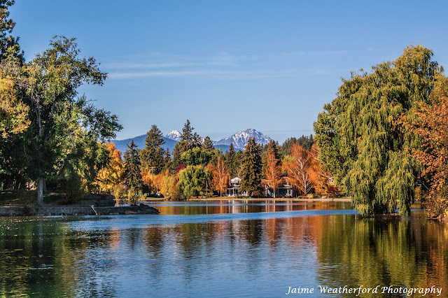 Bend oregon Autumn Fall drake park Jaime Weatherford