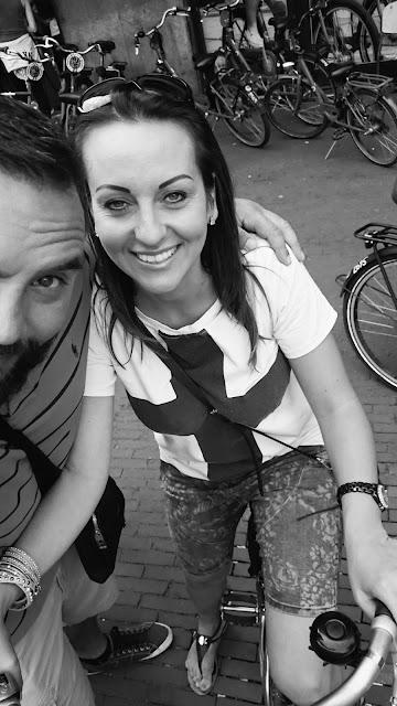 wypożyczalnia rowerów amsterdam, gdzie wypożyczyć rowery w Amsterdamie, blog podróże travel design, DIY