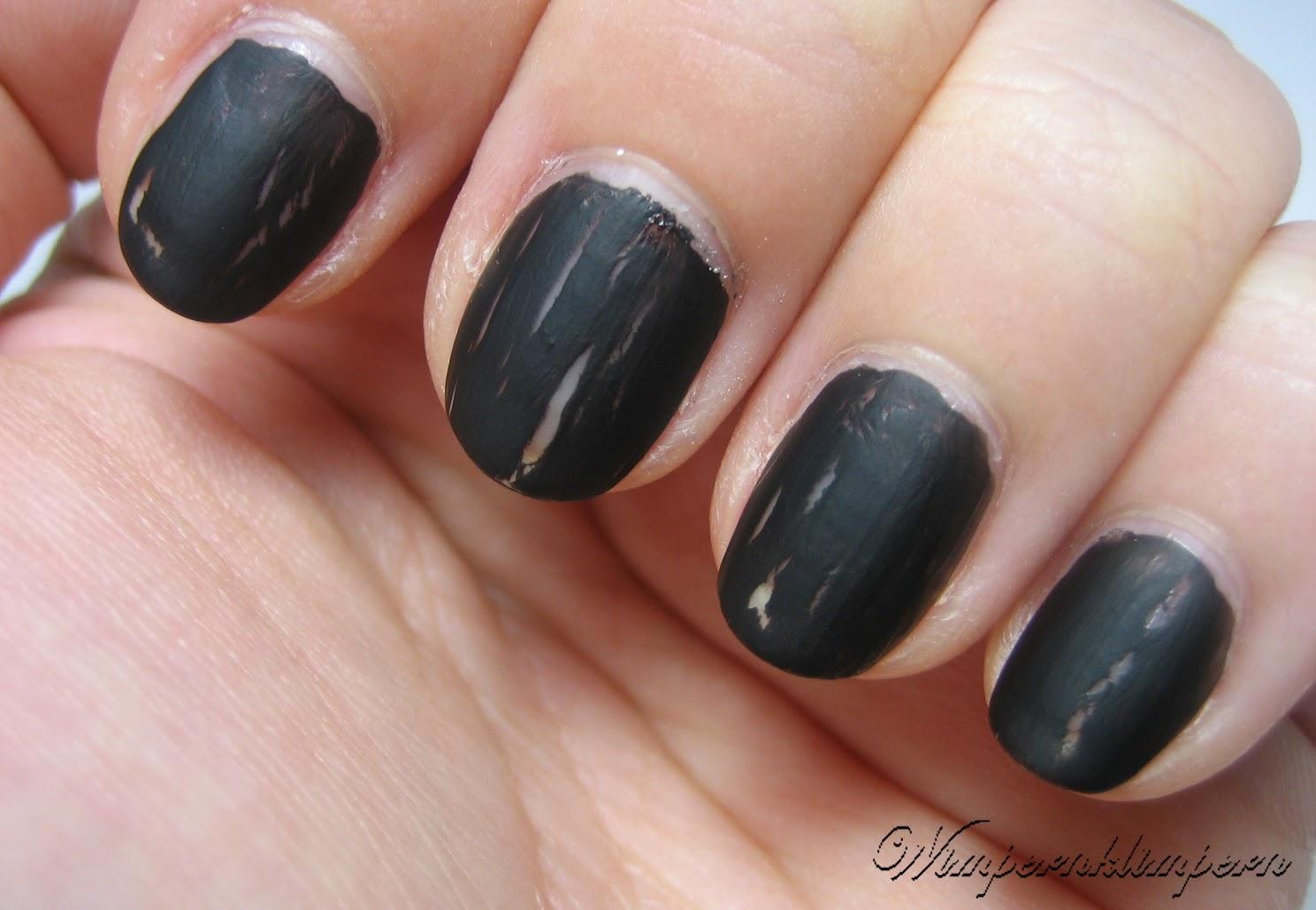 Ciaté Chalkboard Manicure 1. Schicht