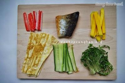 Cách làm sushi cá Hồi Nhật Bản 1