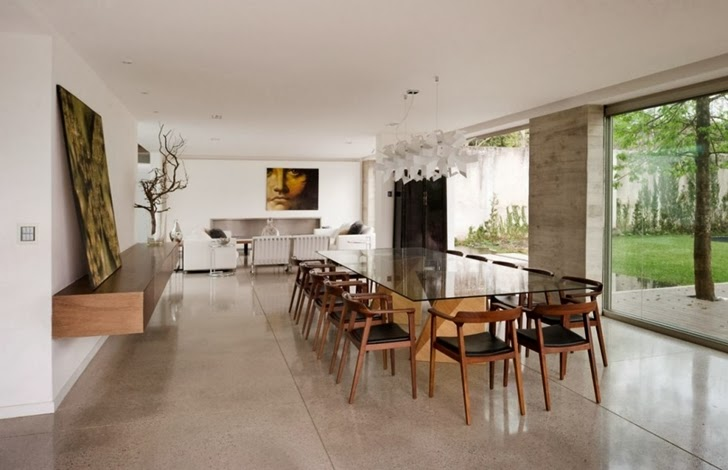 Dining room in Modern dream home by Paz Arquitectura
