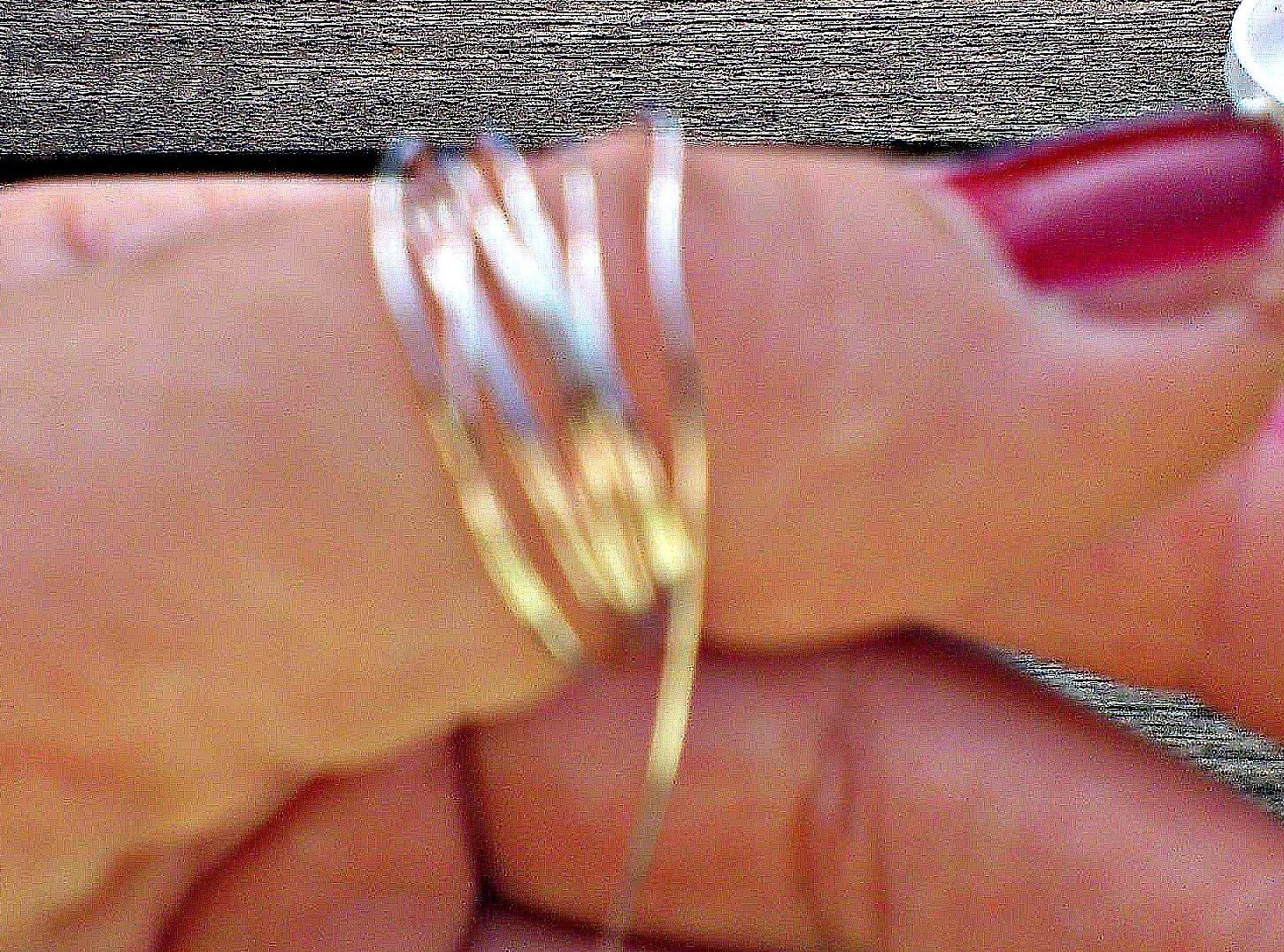 die Komplizin: Fingerringe aus Draht und Perlen