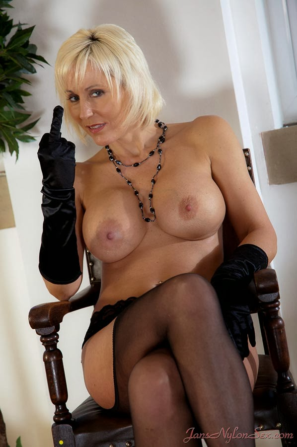 image Busty milf alesia pleasure takes a cock in her mature twat