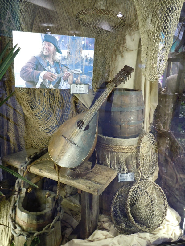 Scrum's mandolin Pirates of the Caribbean 4 prop