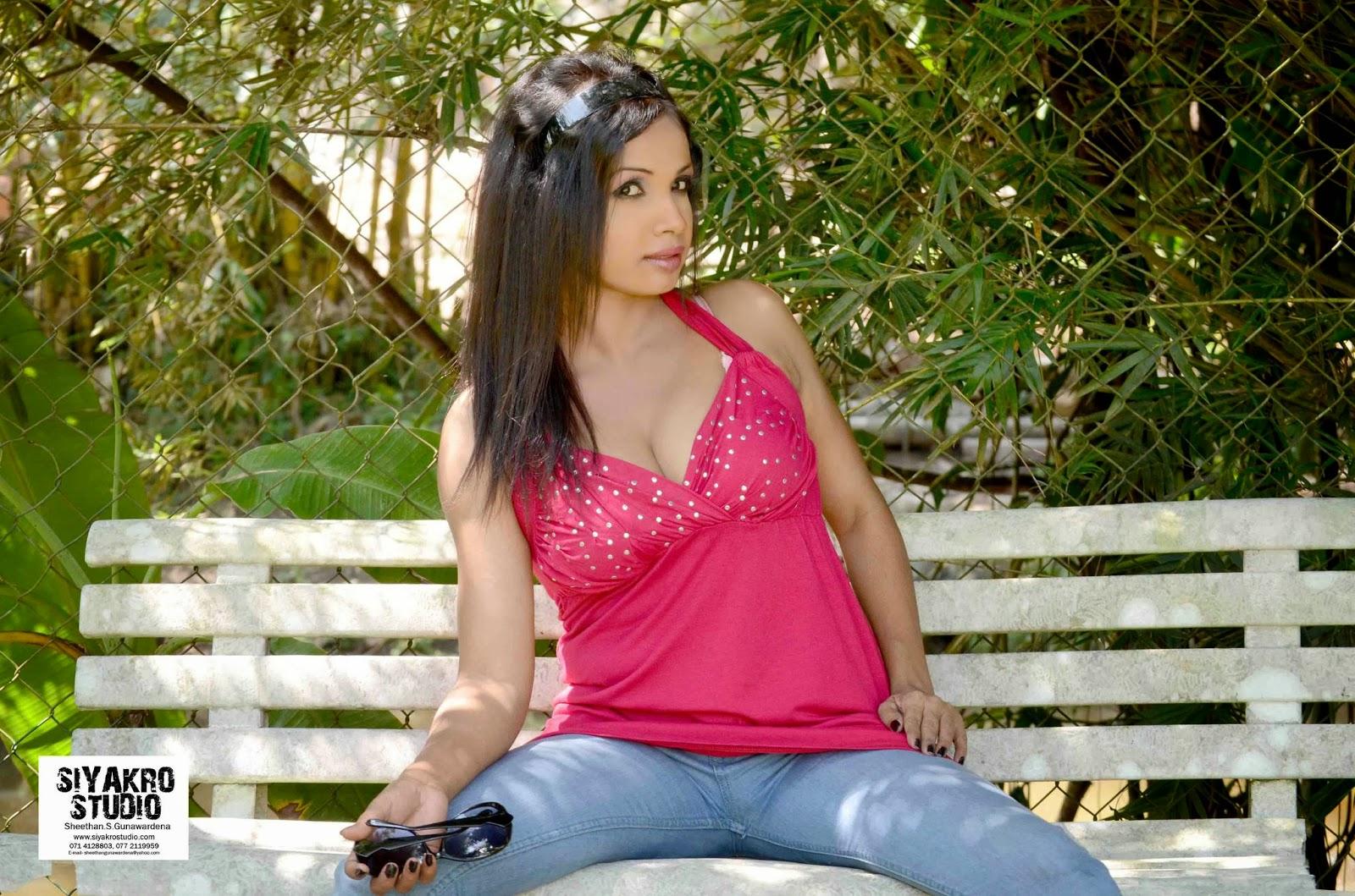 Manjula Sajeewani wide open legs