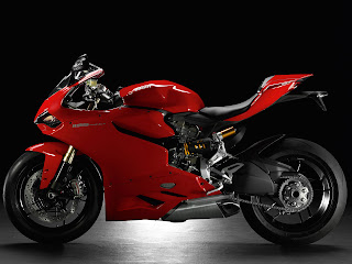 2013 Ducati Superbike 1199 Panigale Motorcycle Photos 3
