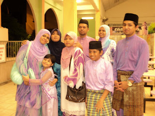 Keluargaku Syurgaku =)