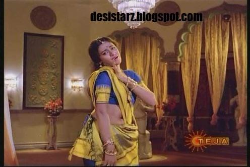 desistarz: Shobana showing navel in saree :rare and unseen ...