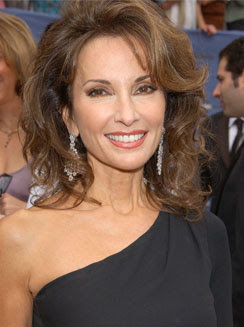 Susan Lucci Hairstyles & Jewelry