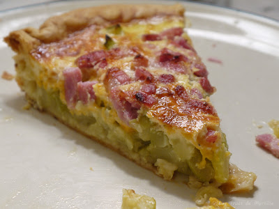 tarte aux courgettes, lardons et mimolette ou parmesan (voir la recette)