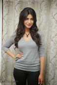Shruti Haasan Gorgeous Photos at Yevadu Success Meet-thumbnail-5