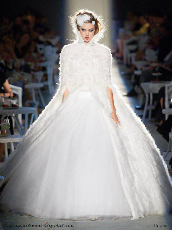 "Chanel fall 2012 couture collection"" /></a></div> <br /> <div class="