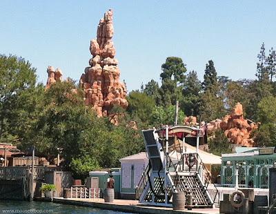 Big Thunder Mountain Railroad Disneyland river Frontierland