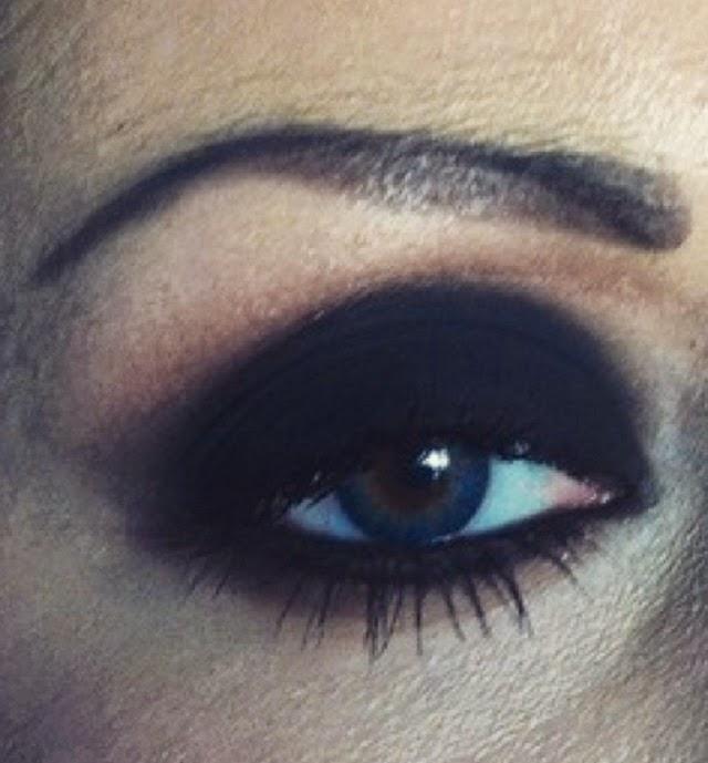 urban decay 24/7 velvet eye pencil, prodotti preferiti make up, matita nero velluto, velvet smokey eyes, ombretto nero opaco