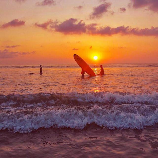 foto sunset pantai kuta