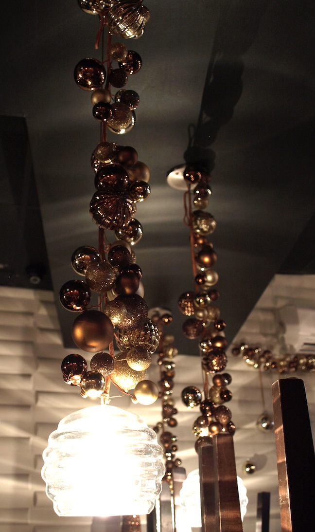 Christmas Decorations In Restaurant : A party style christmas restaurant decorations