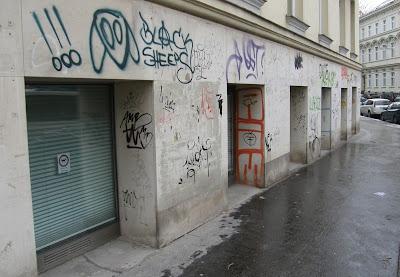 graffiti, falfirka, stencil, Wien, Vienna, Bécs, vizuális környezetszennyezés, Ausztria, Austria, Österreich