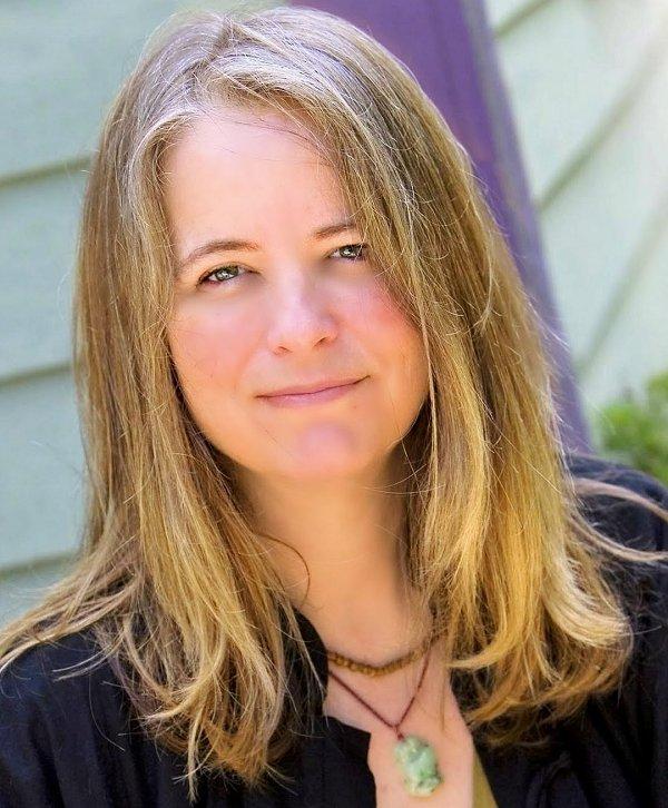 Lisa Lynette Clark