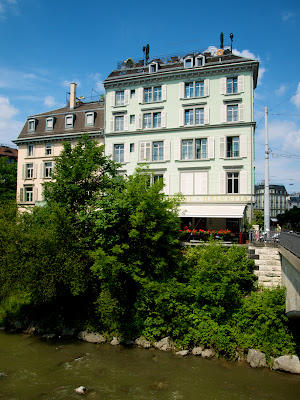 Casas junto al rio Limmat en Zurich