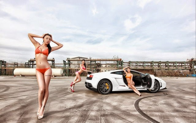 Girl with super car and bikini sexy
