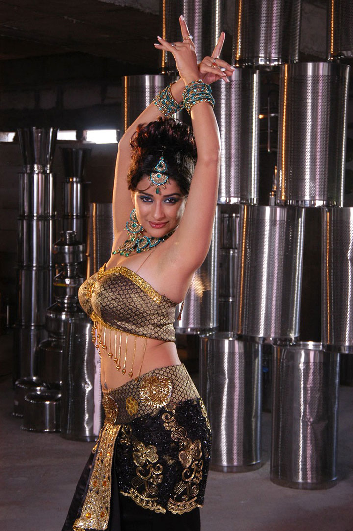 Madhurima  - Madhurima Hot Pics in Ancient Dress
